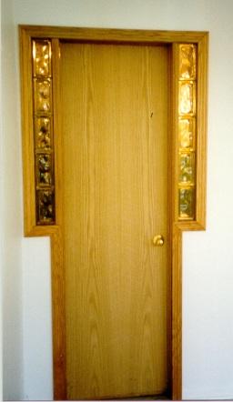 4139-interior-door-with-glass-block